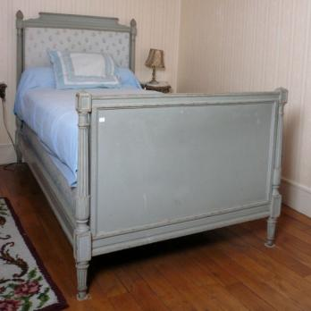 lits antiquit en ligne achat vente meuble ancien d 39 poque lotpriv com. Black Bedroom Furniture Sets. Home Design Ideas