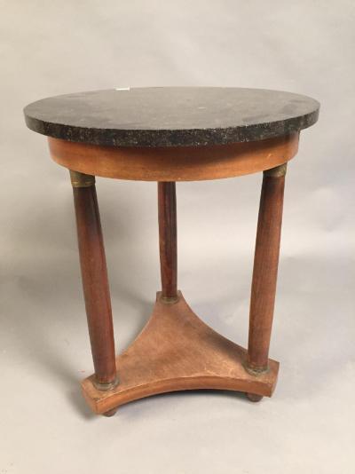 tables antiquit en ligne achat vente meuble ancien d 39 poque lotpriv com. Black Bedroom Furniture Sets. Home Design Ideas