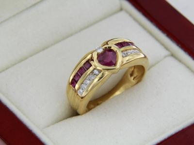 Bague OR jaune 18K RUBIS et DIAMANTS 2