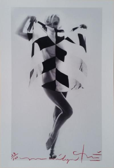 Bert Stern - Marilyn in black white scarf
