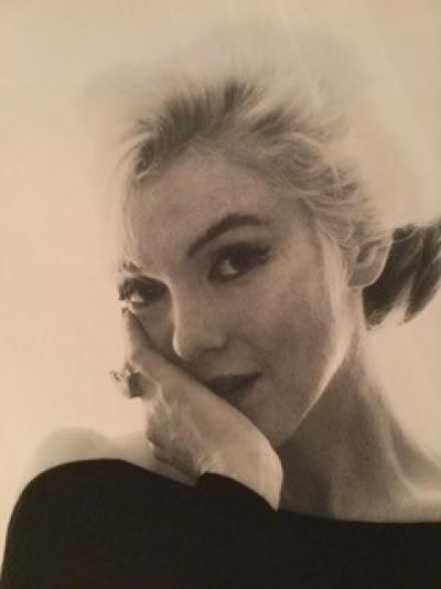 Bert Stern - Marilyn in the black dress looking at you very large format