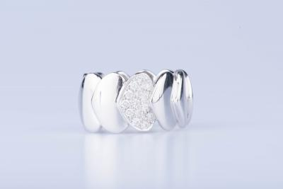 Bague en or blanc 18 ct 4 diamants env. 0,04 ct au total 11 diamants env. 0,36 ct au total 2