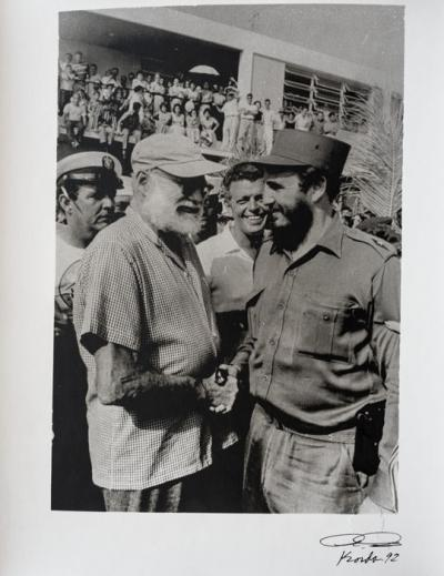 Ernest HEMINGWAY/ Fidel CASTRO - Photo by Alberto Korda signed and dated