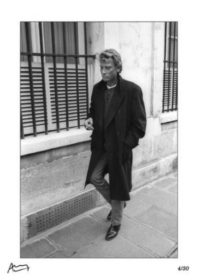Francis Apesteguy - Johnny Hallyday. Alone in the street in Paris,1987