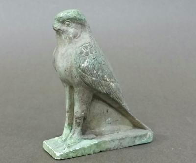 Superb HORUS falcon in terracotta. Egypt, 664 to 333 AD