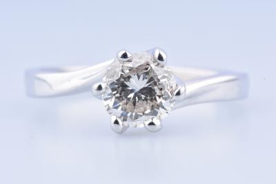 Elegant solitaire ring in 18 carat white gold (750 thousandths), adorned with 1 brilliant cut diamond of 1.65 carat