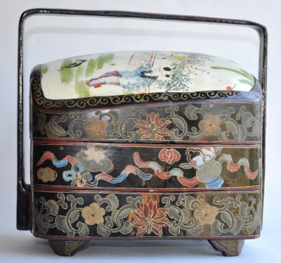 Japon - Picnic box in porcelain and lacquer
