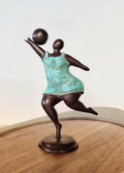 Pierre GIMENEZ - Woman with a ball, 2019 - Sculpture